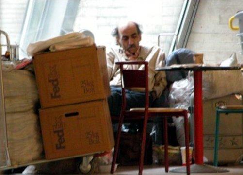 سر آلفرد , در فرودگاه شارل دوگل